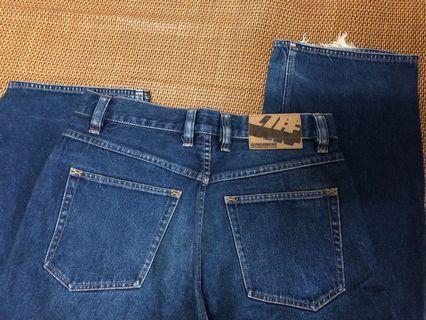 a# alphanumeric 32腰jeans