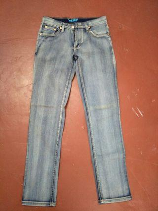 Jeans size 28