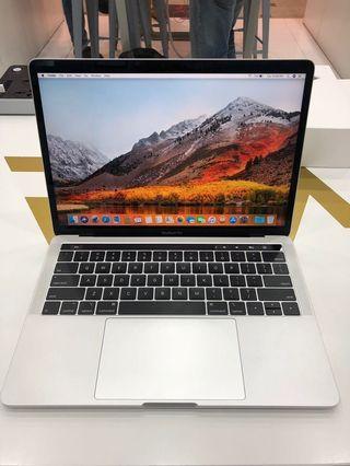 Macbook Pro Touchbar 2018 / Core i5 / 8Gb Ram / 256Gb Ssd Brand New Condition