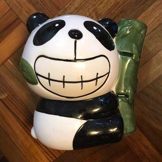 熊貓食竹葉擺設
