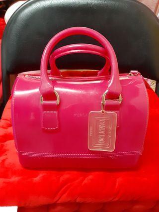 Furla Candy Bag 星光果凍包(粉紅) 夏日必備 商品說明: 寬13cm x 長22 cm x 高15 cm