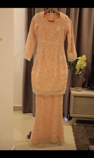 Baju kurung lace peach