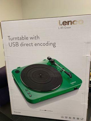 60% off New Lenco turntable