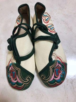 Chinese embroidered shoes