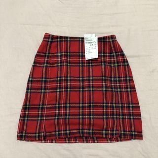 🚚 bnwt brandy melville red plaid cara skirt