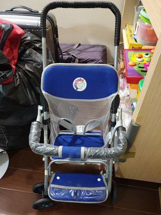 輕巧型嬰兒車9成新