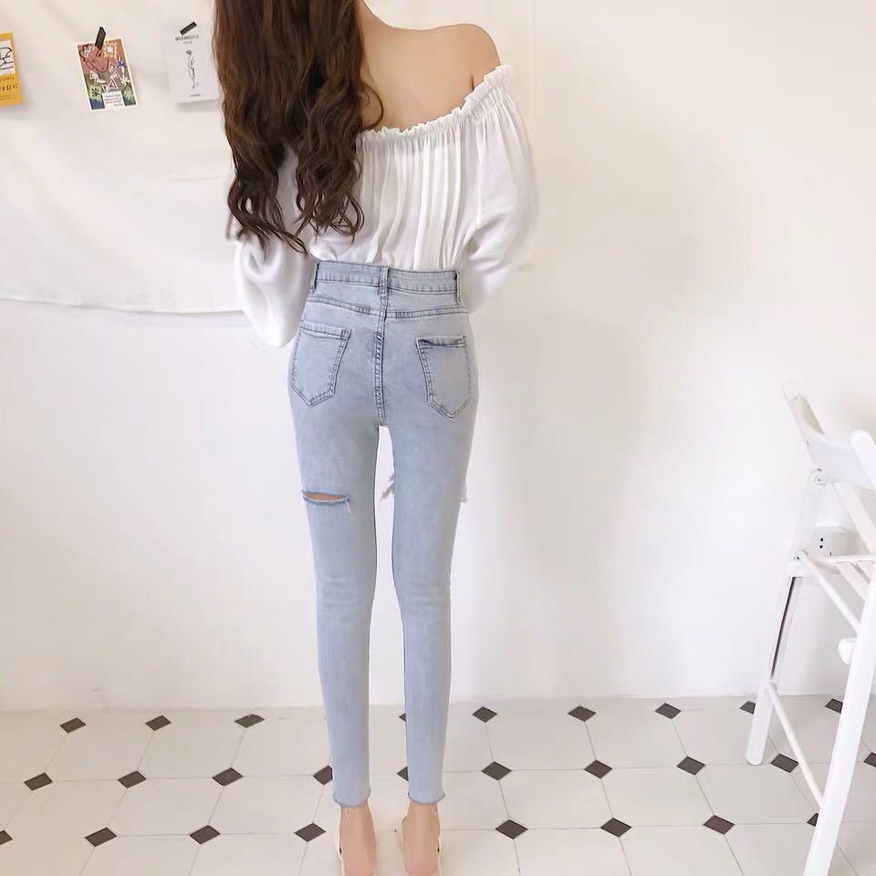 淺藍色牛仔褲 flexible tight