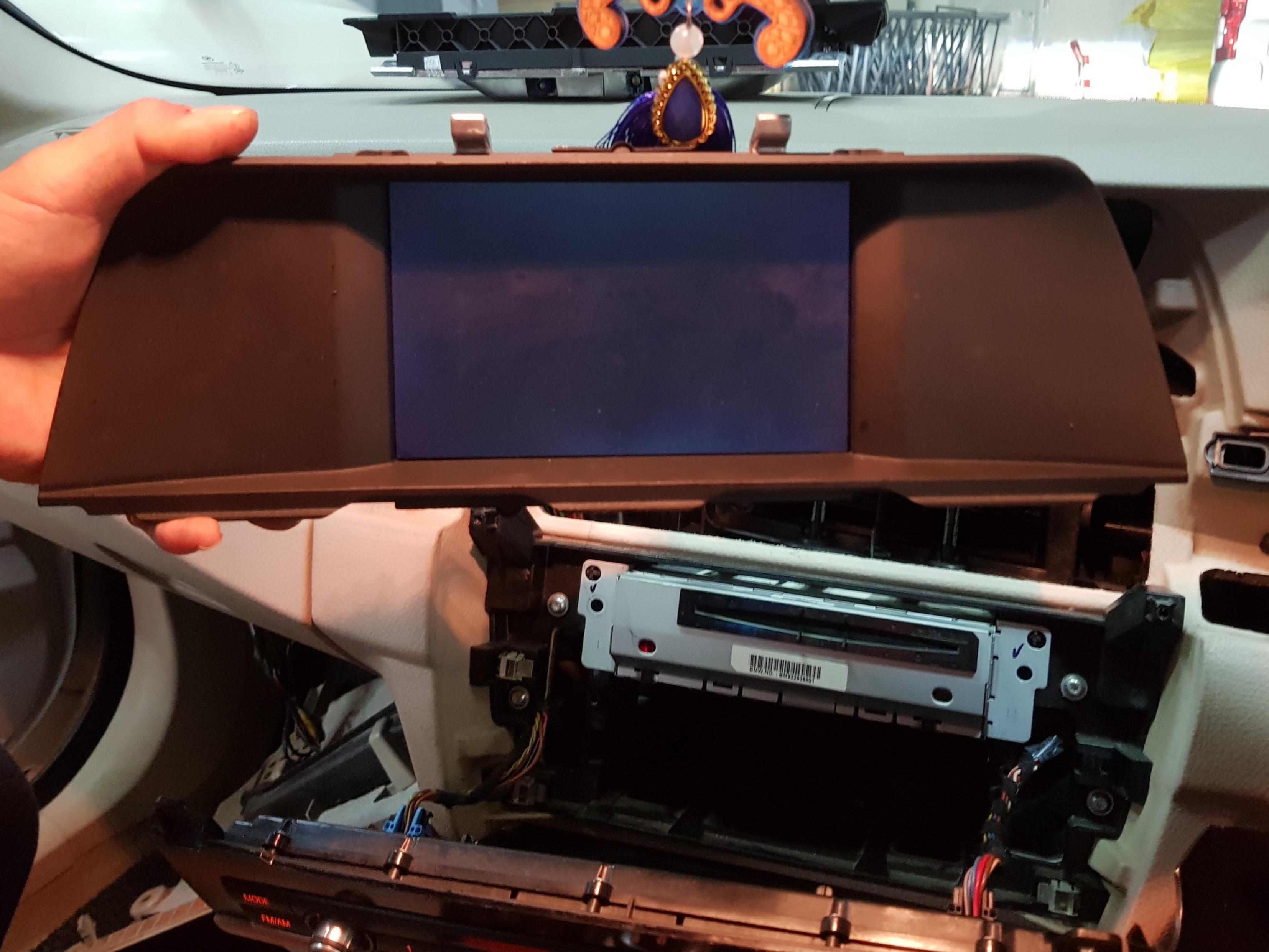 Bmw 523 F10 Tv monitor headunit