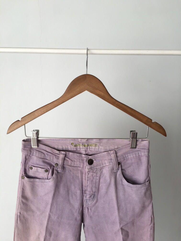 Celana jeans ungu