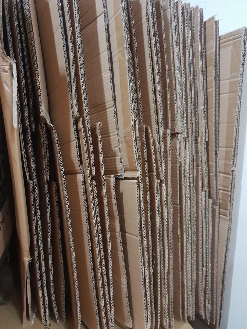 Empty carton boxes