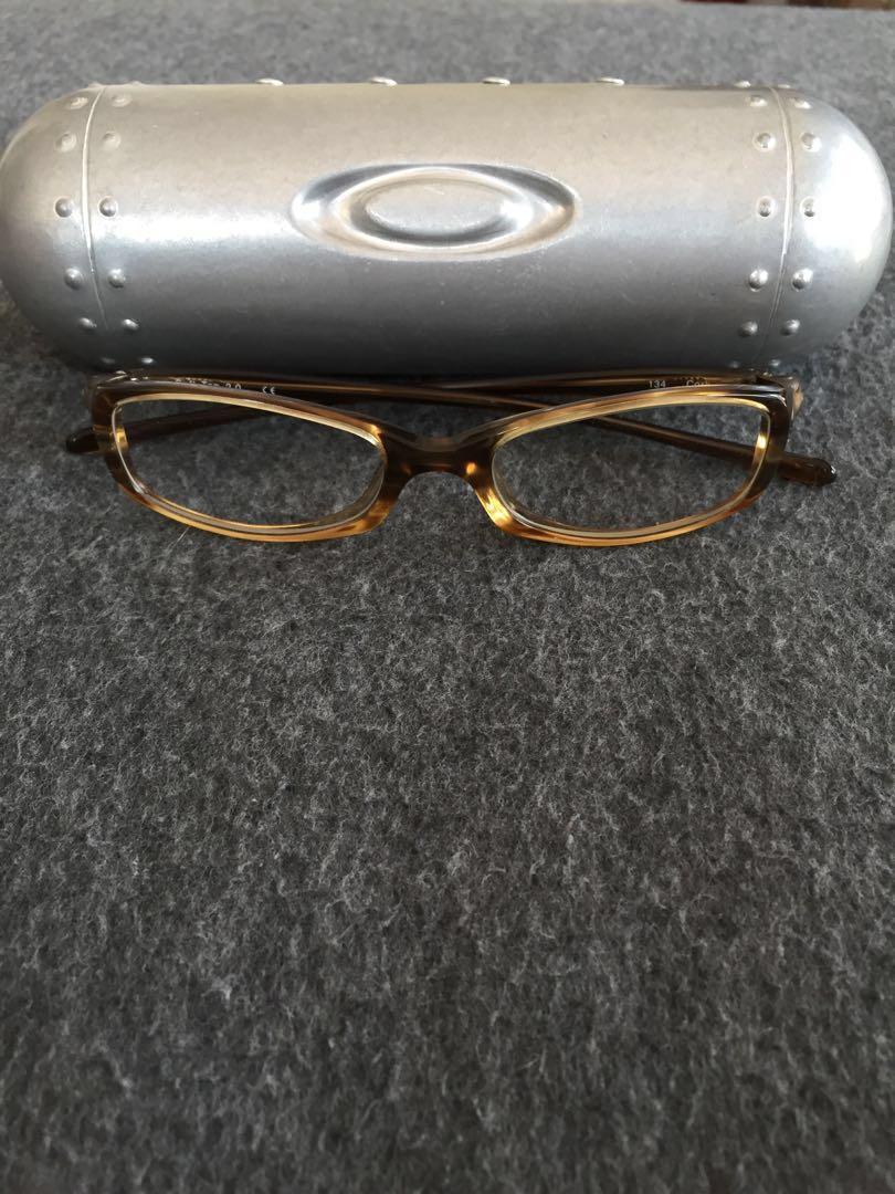 Kacamata Bening Oakley