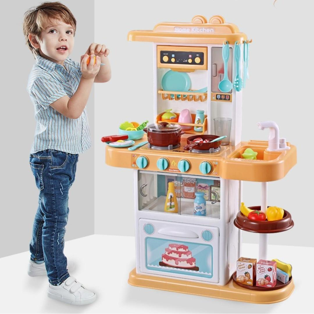 Kitchen simulation playset with water, music, light and Mist