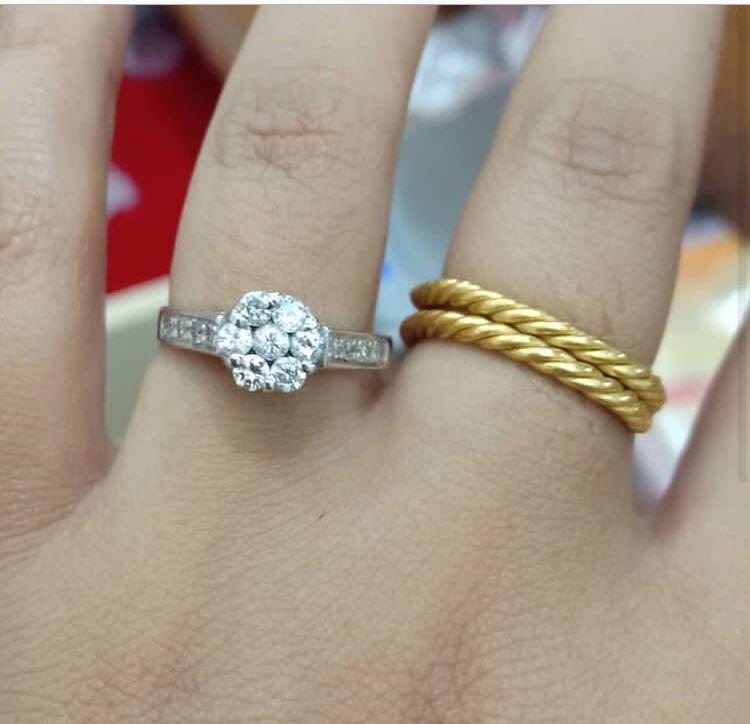 Korban php ini,, asli cakep pakai bgt, cincin berlian eropa mas putih kadar 750 %