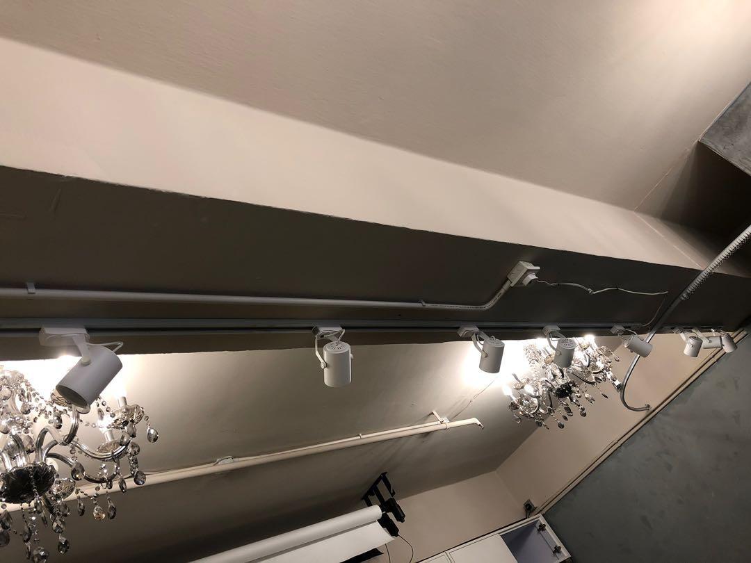 LED射燈共八個