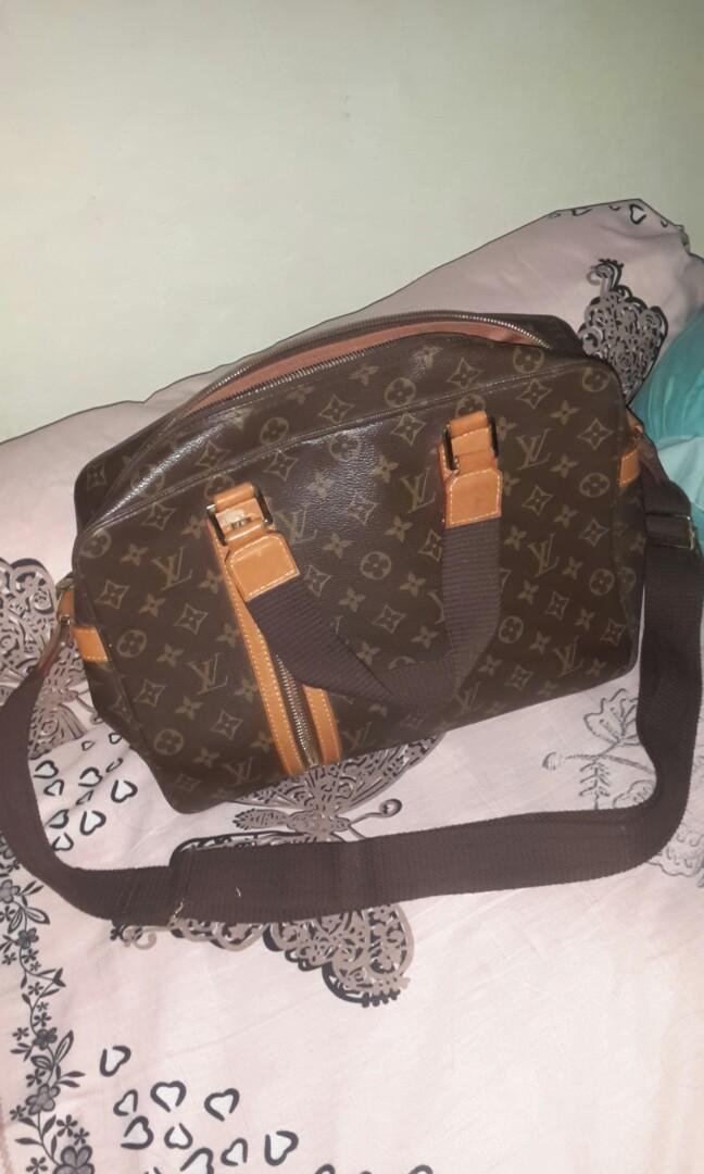 Louis Vuitton  monogram sac bosphore Bag