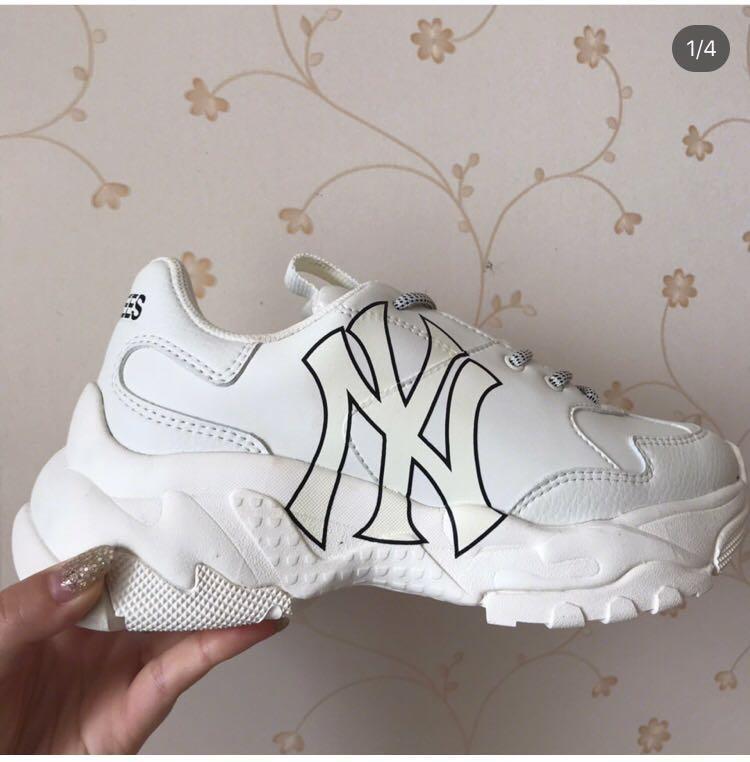 MLB New York Yankees Sneakers, Women's