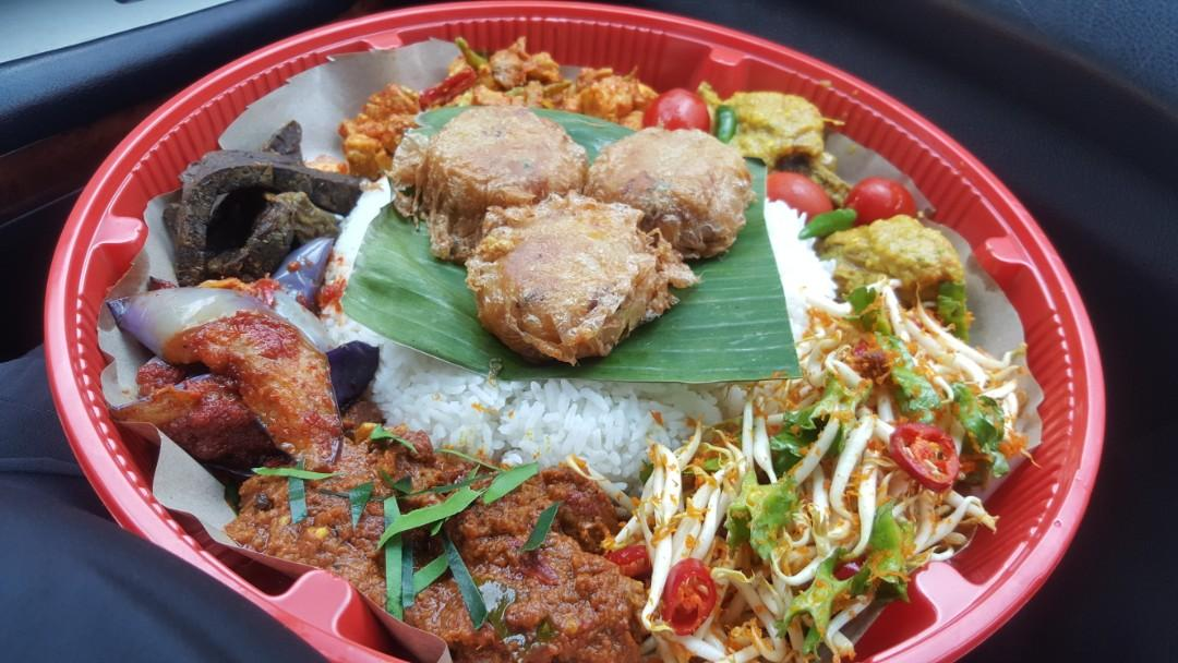Nasi Ambeng 4pax @ $30 ... 1st of JUNE sat'day (west side area)