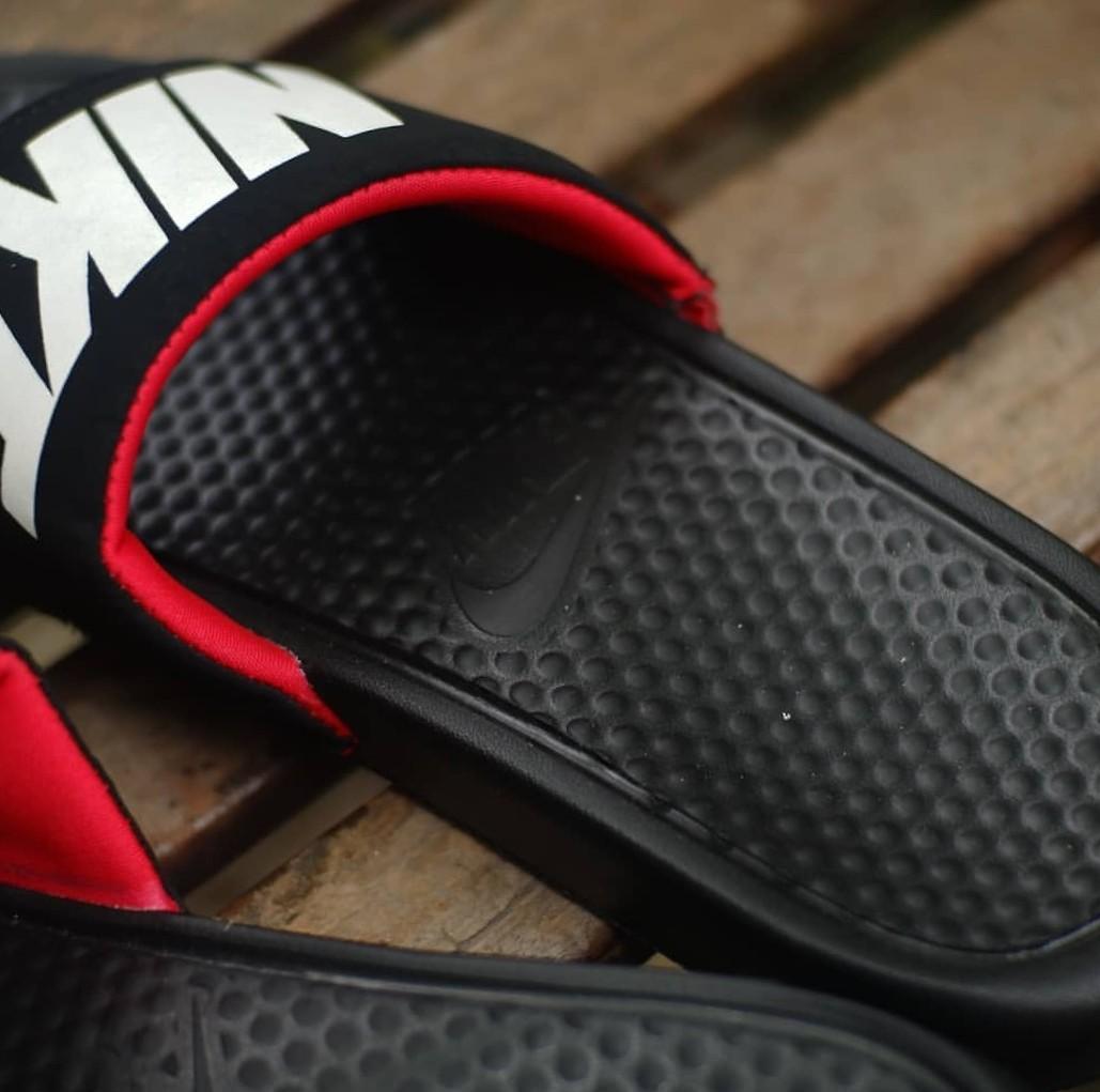 Nike Slide Benassi