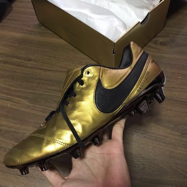 san francisco e45c8 d1277 Nike Tiempo Legend VI SE Totti, Sports, Sports Apparel on ...