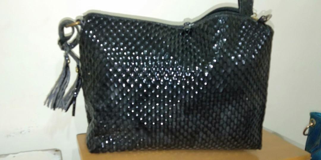 Pouch Black Glossy
