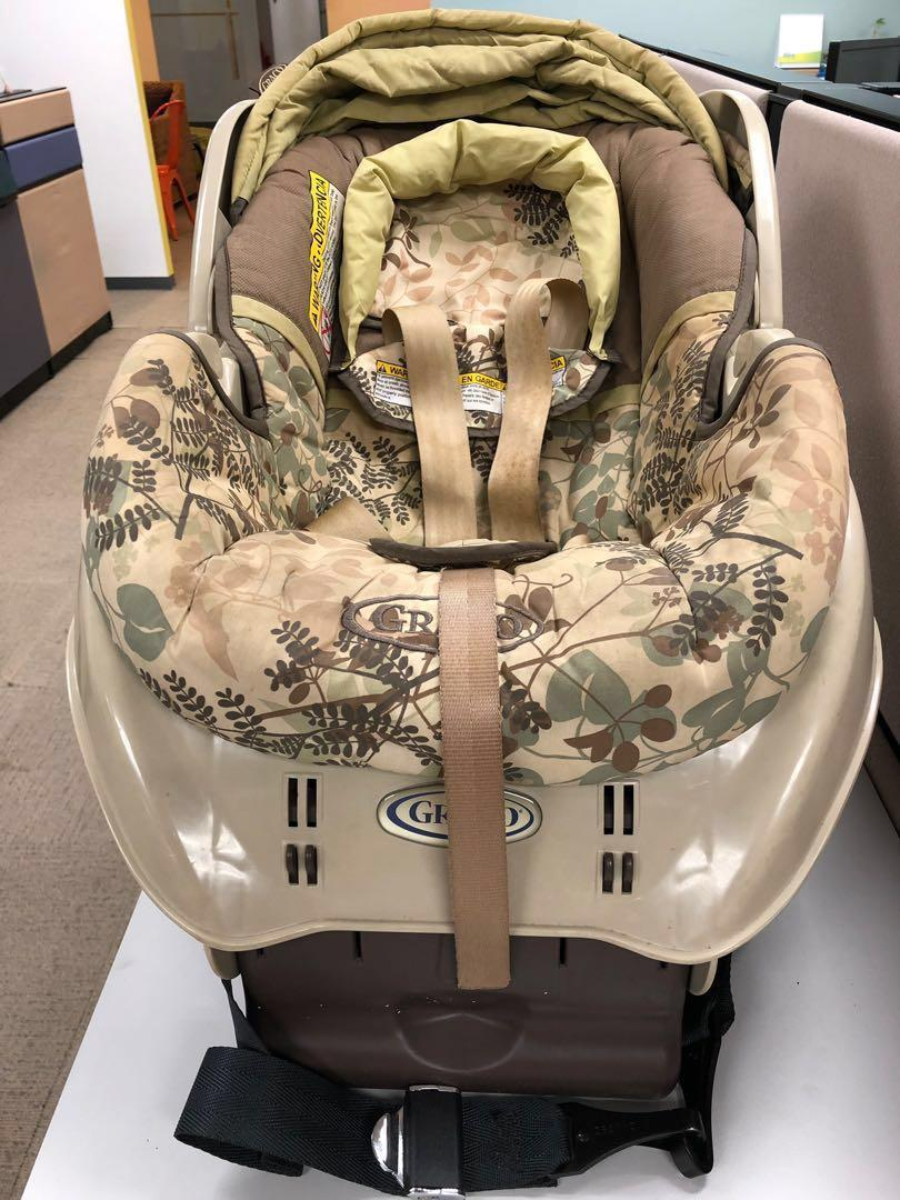Price reduced!! Graco infant to 3-4 yo car seat, detachable carrier
