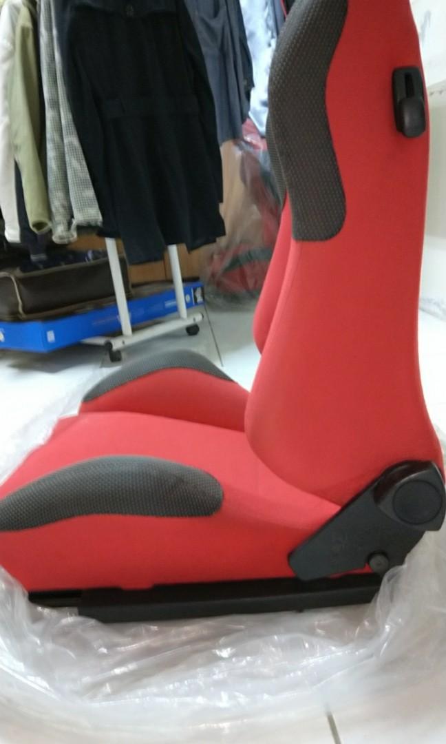 正德國RECARO賽車椅一對三菱直上,附滑槽腳架