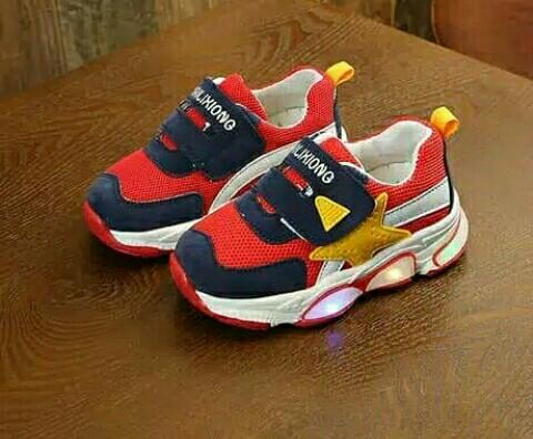Sepatu kids