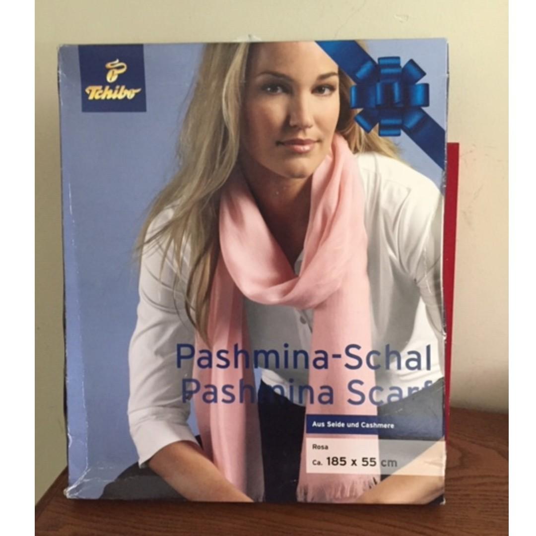 016b737d21c86a Tchibo silk and cashmere scarf, Fesyen Wanita, Aksesori di Carousell