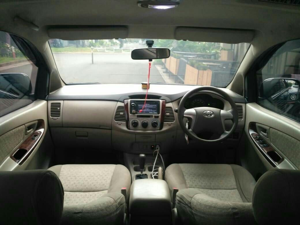 Toyota Grand Innova 2.0G 2011AT Hitam TOP Condition