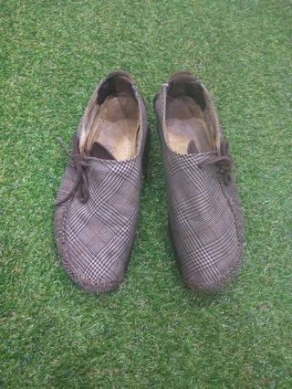 Authentic Clarks Cotton Shoe