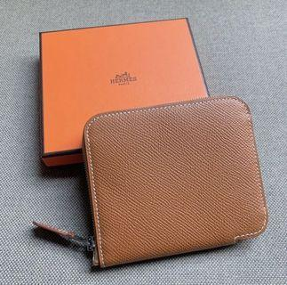 Hermes Silk in compact wallet gold color