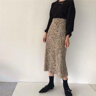 🚚 (新品)復古中長款豹紋裙