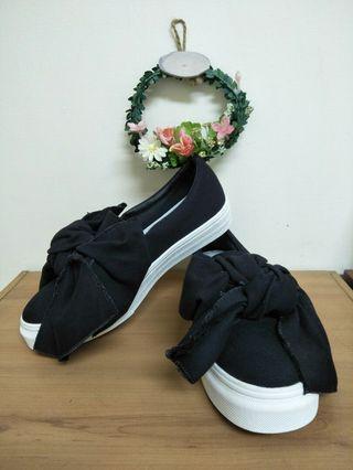 23.5黑色蝴蝶結墊高厚底美鞋