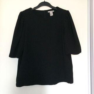 H&M Black Textured Puffy Sleeve Blouse (Size Medium)
