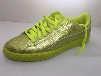 Puma fluorescent runners w/box