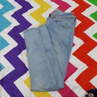 Celana Jeans biru muda