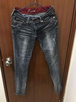 Levi's Washed Black Jeans in Size 27 for Waist [腰圍27碼Levi's黑色洗水牛仔褲]