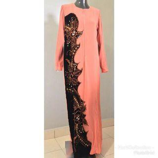 Preloved Nursing/ Breastfeed Friendly Jubah oren manik dan kain hitam baldu Lining