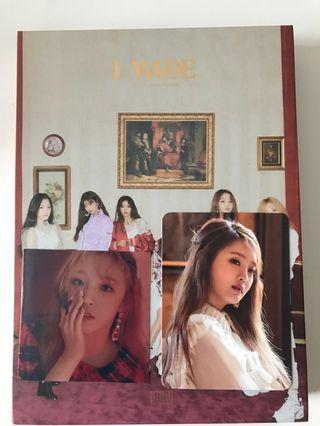 (G)I-DLE I Made Album (Minnie Photocard and Yuqi Sticker)