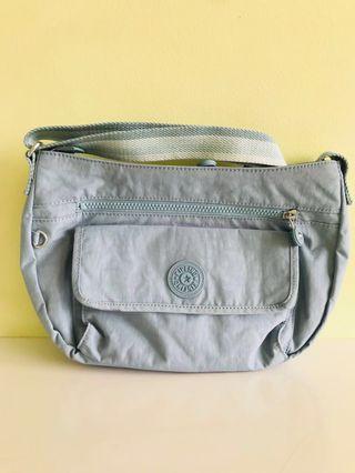Kipling Sling Bag ( syro )