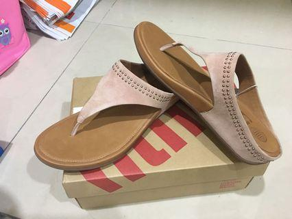 FitFlop Banda Toe Post with Studs (Peach)