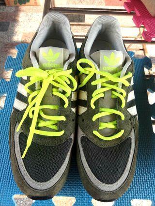 正品 adidas 愛迪達 運動鞋 慢跑鞋