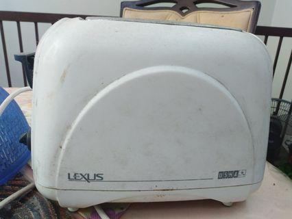 Pembakar roti jenama Lexus
