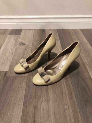Salvatore Ferragamo Vara Bow Shoes Pumps
