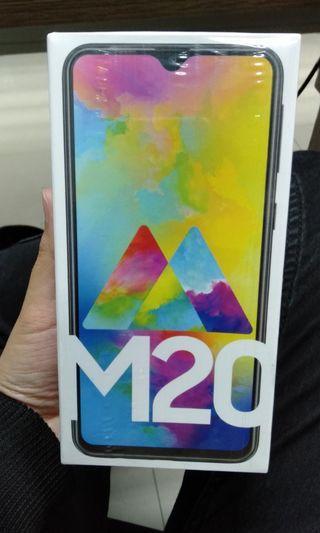 Samsung M20 Baru Masih Segel, free tempered glass