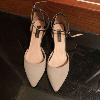 Anna's 低跟鞋