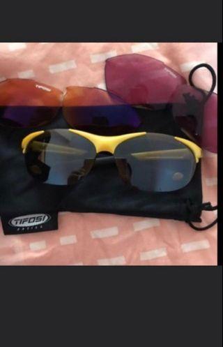🚚 Sunglasses Tifosi