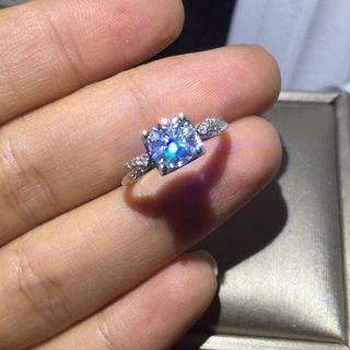 銀鍍鉑金1卡莫桑鑽純銀戒指有證書