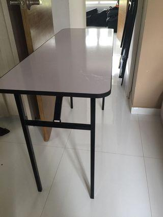 🚚 Foldable table brand new