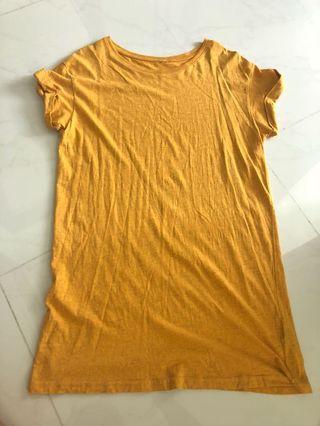 H&M mustard tshirt